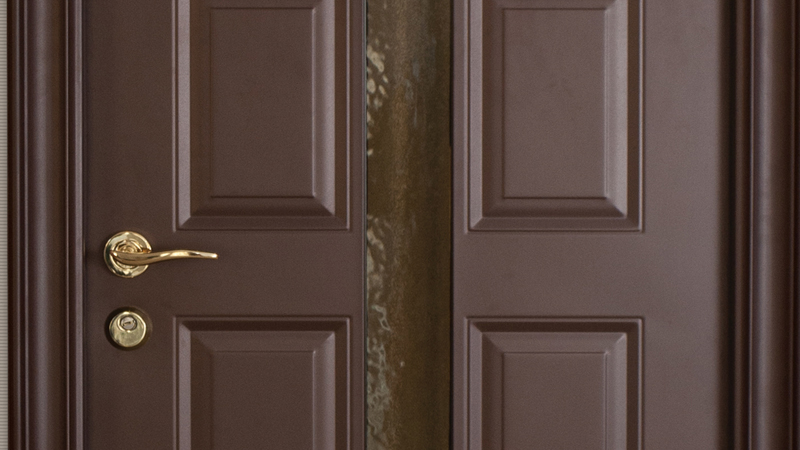 What kind of safety do metallic doors provide? & Metallicdoor.com - Outdoor-Resistant Metallic door Made in Romania